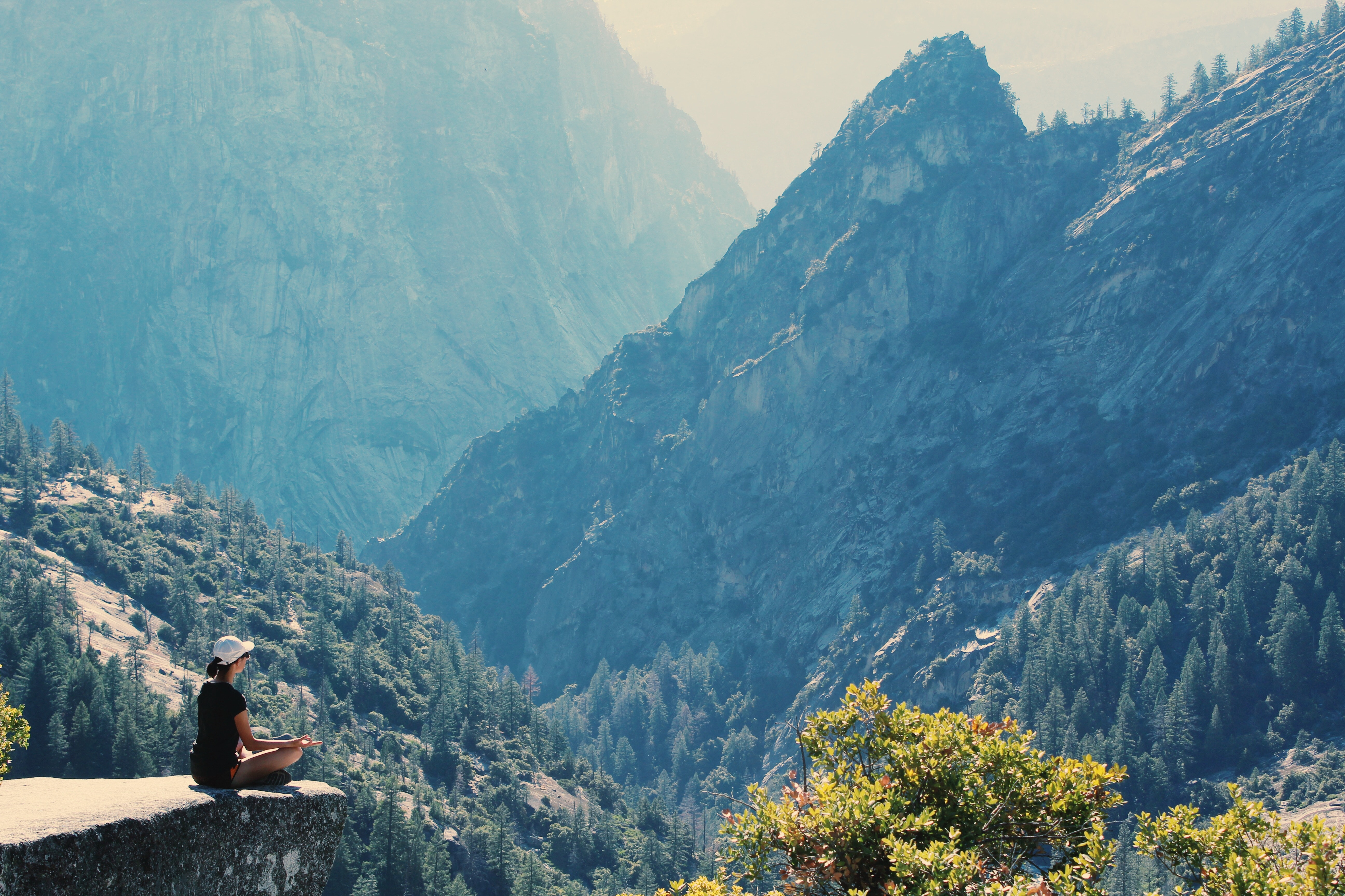 photography-of-a-woman-meditating-906097